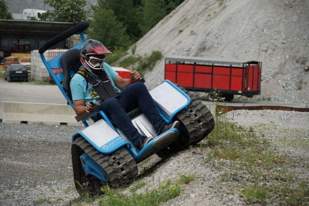 Siêu xe lăn với khả năng off road ấn tượng