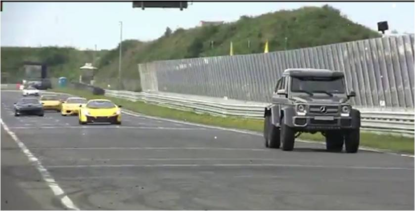 """Xem Mercedes-Benz G63 AMG 6x6 """"khủng bố"""" dàn siêu xe"""