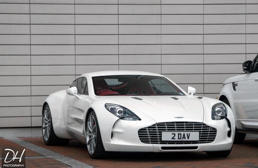 Bắt gặp Aston Martin One-77 cuối cùng được xuất xưởng