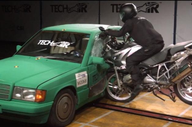 Ra mắt túi khí dành cho xe mô tô