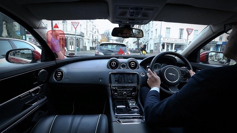 Công nghệ mới của Jaguar biến điểm mù thành quá khứ