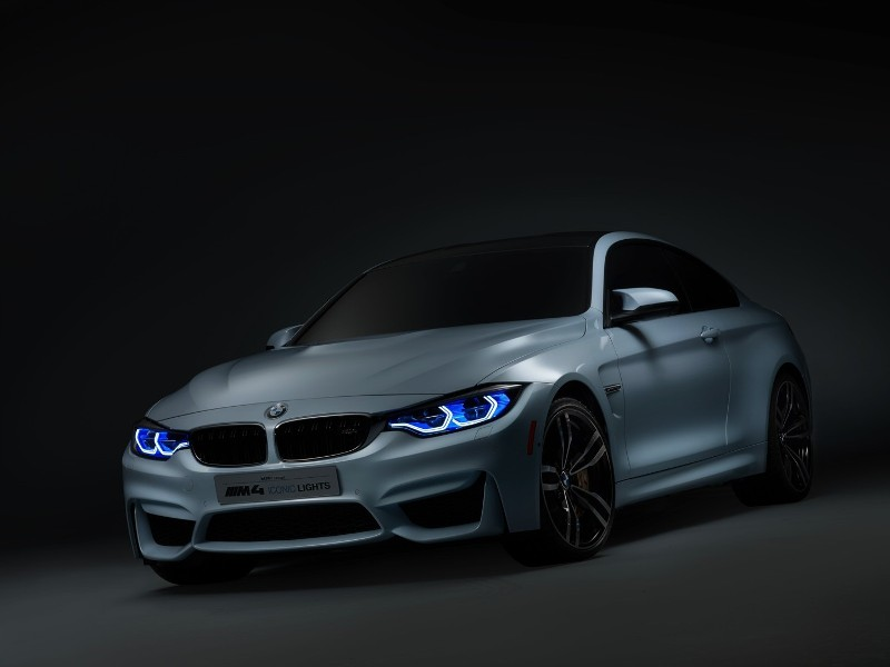 BMW trình làng công nghệ đèn pha và chìa khóa mới