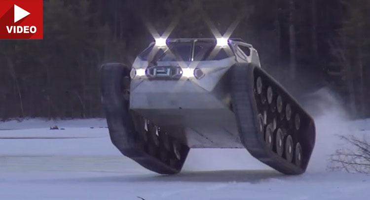 Xe tăng drift cực đỉnh trên băng