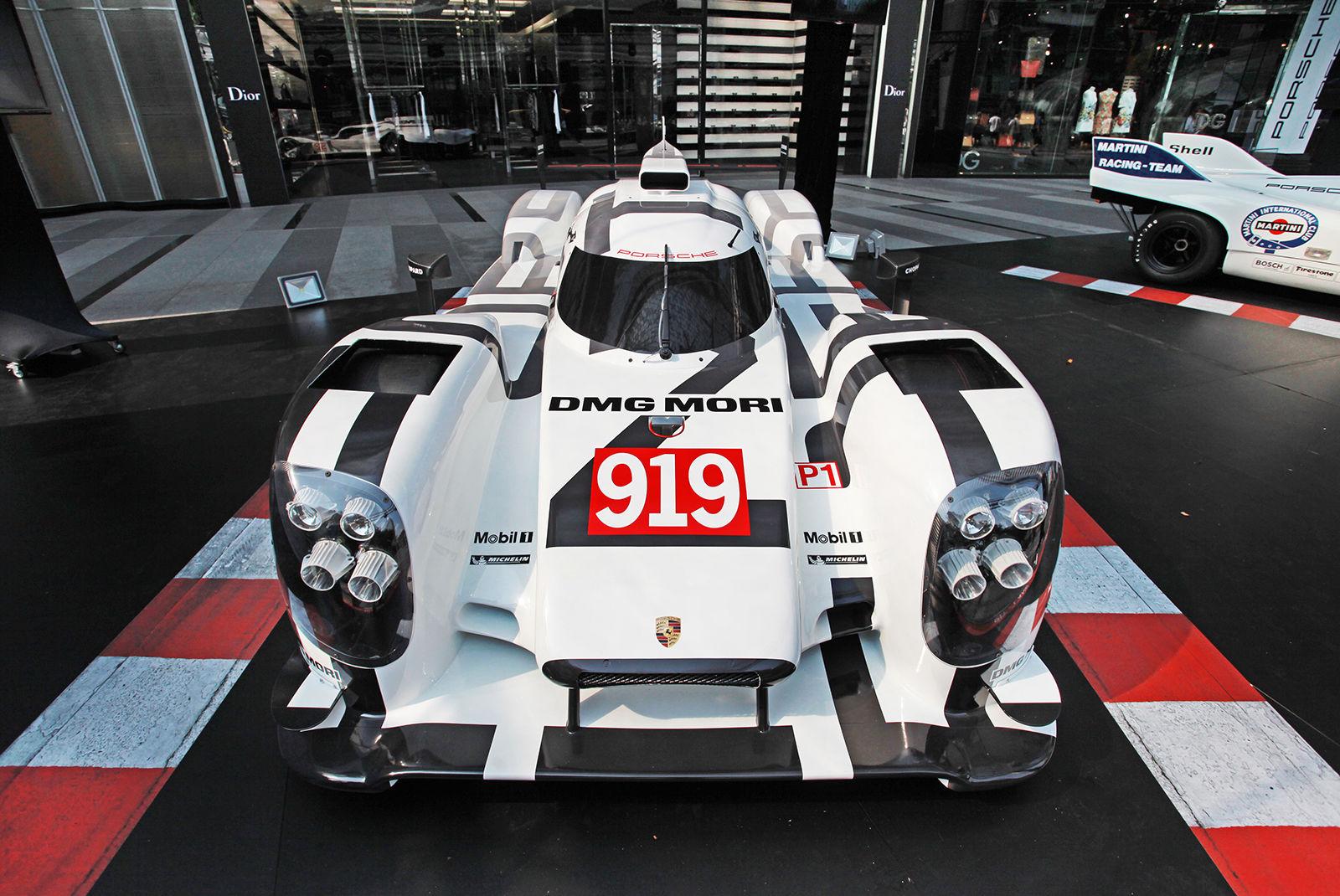 Porsche đấu giá mô hình 919 Hybrid kích thước thật