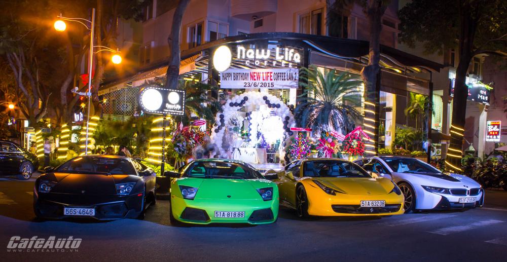Dàn siêu xe Sài Gòn tụ họp mừng sinh nhật quán cà phê