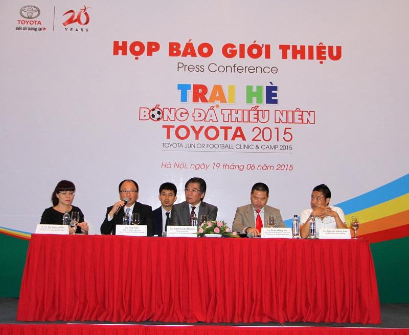 Toyota Việt Nam tổ chức trại hè bóng đá thiếu niên