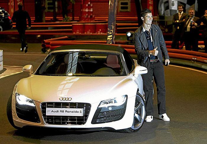 Mục sở thị bộ siêu tập xe khủng của Cristiano Ronaldo