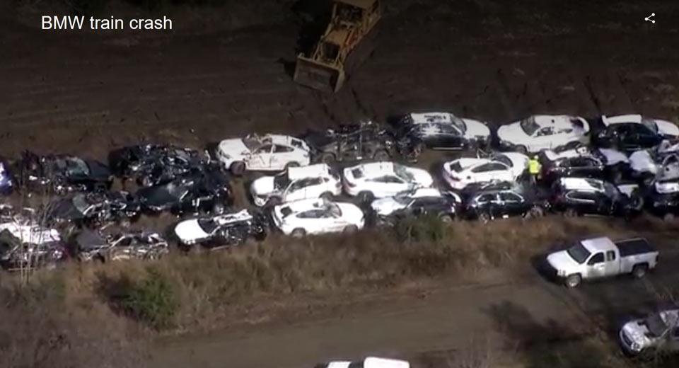 120 chiếc BMW mới xuất xưởng bi hư hỏng nặng do lật tàu