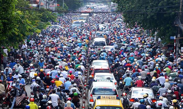 Nhìn lại tình hình giao thông Việt Nam 2016 qua ảnh