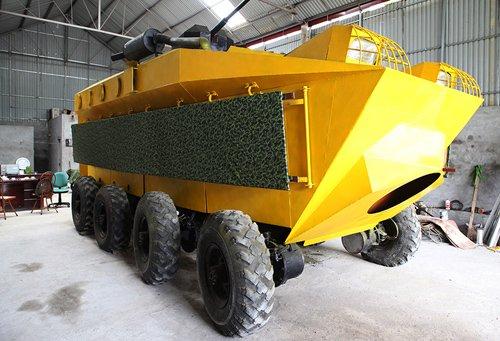 Vì sao xe bọc thép 'made in Việt Nam' 2 tỷ phải bán đồng nát 100 triệu?