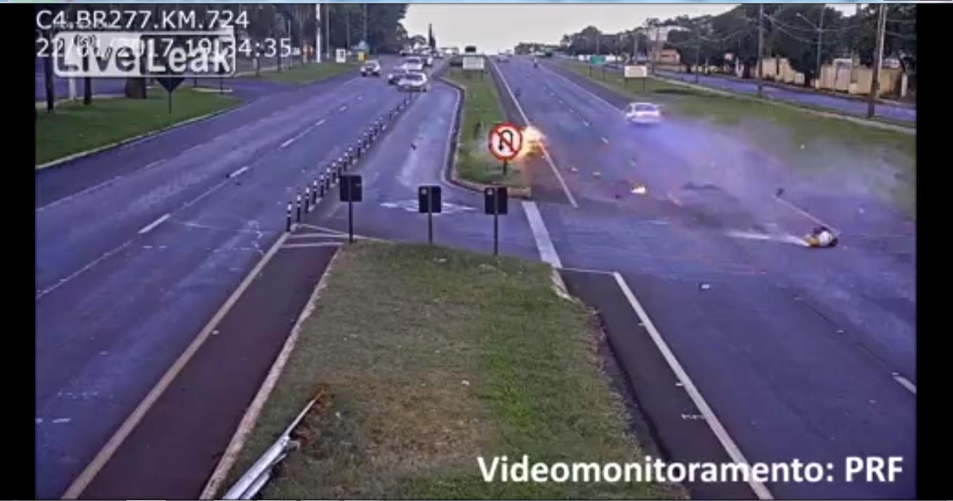 Tai nạn thảm khốc giữa biker và ô tô