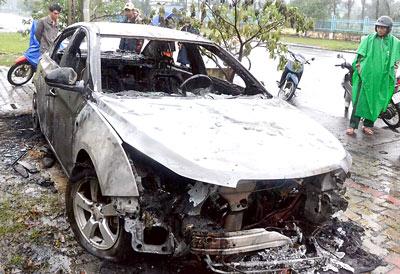 Bộ KH-CN: 5 mẫu xăng nghi gây cháy nổ xe đều đạt chuẩn