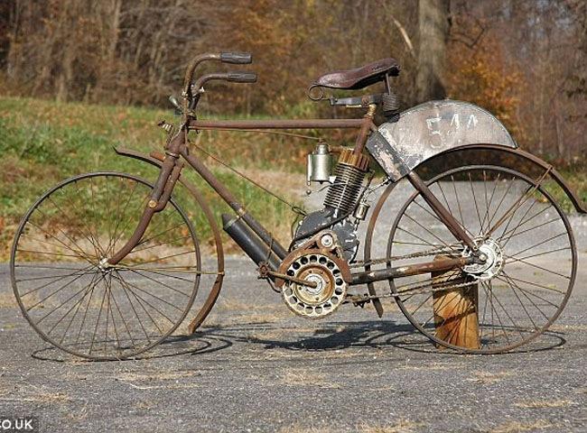 Xe môtô hoen gỉ có giá bạc tỷ