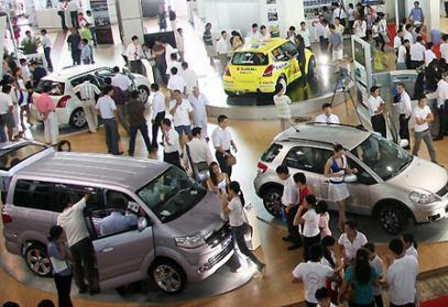Nghịch lý thị trường xe hơi cận Tết