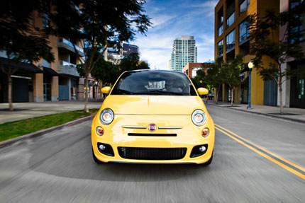 Sau quảng cáo rầm rộ, Fiat 500 lại
