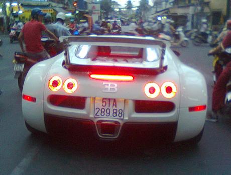 Bugatti Veyron ở Việt Nam thực sự thuộc về ai?