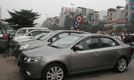 Nản với phí: ô tô ế ẩm