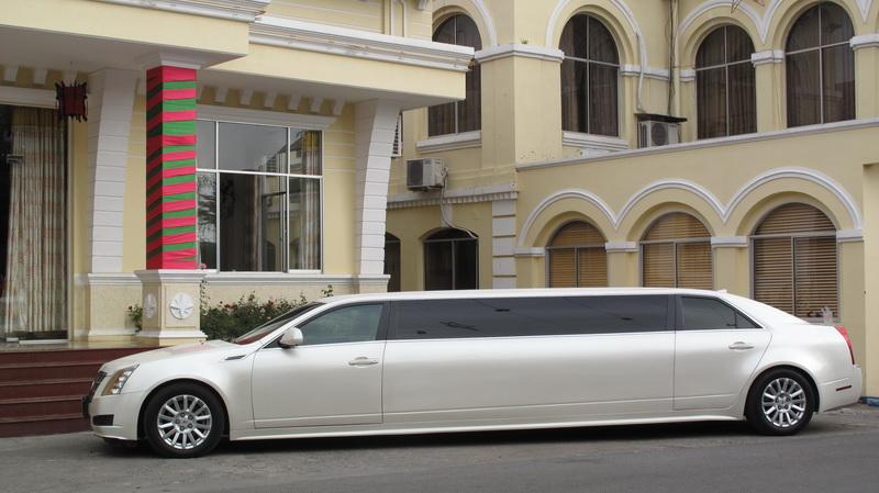 Khám phá Cadillac CTS Limo cùng Saigonlimo