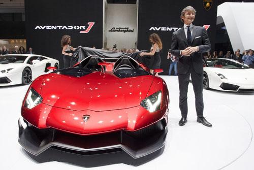 Lamborghini Aventador J 'đốt cháy' Geneva Motor Show