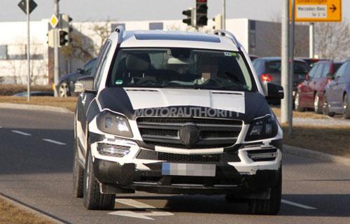 Mercedes GL Class 2013 trên đường thử
