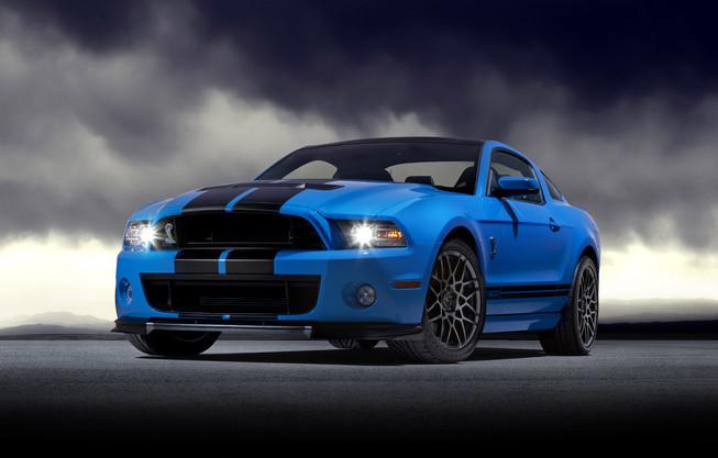 Mustang Shelby GT500 2013 có giá 54.200 USD