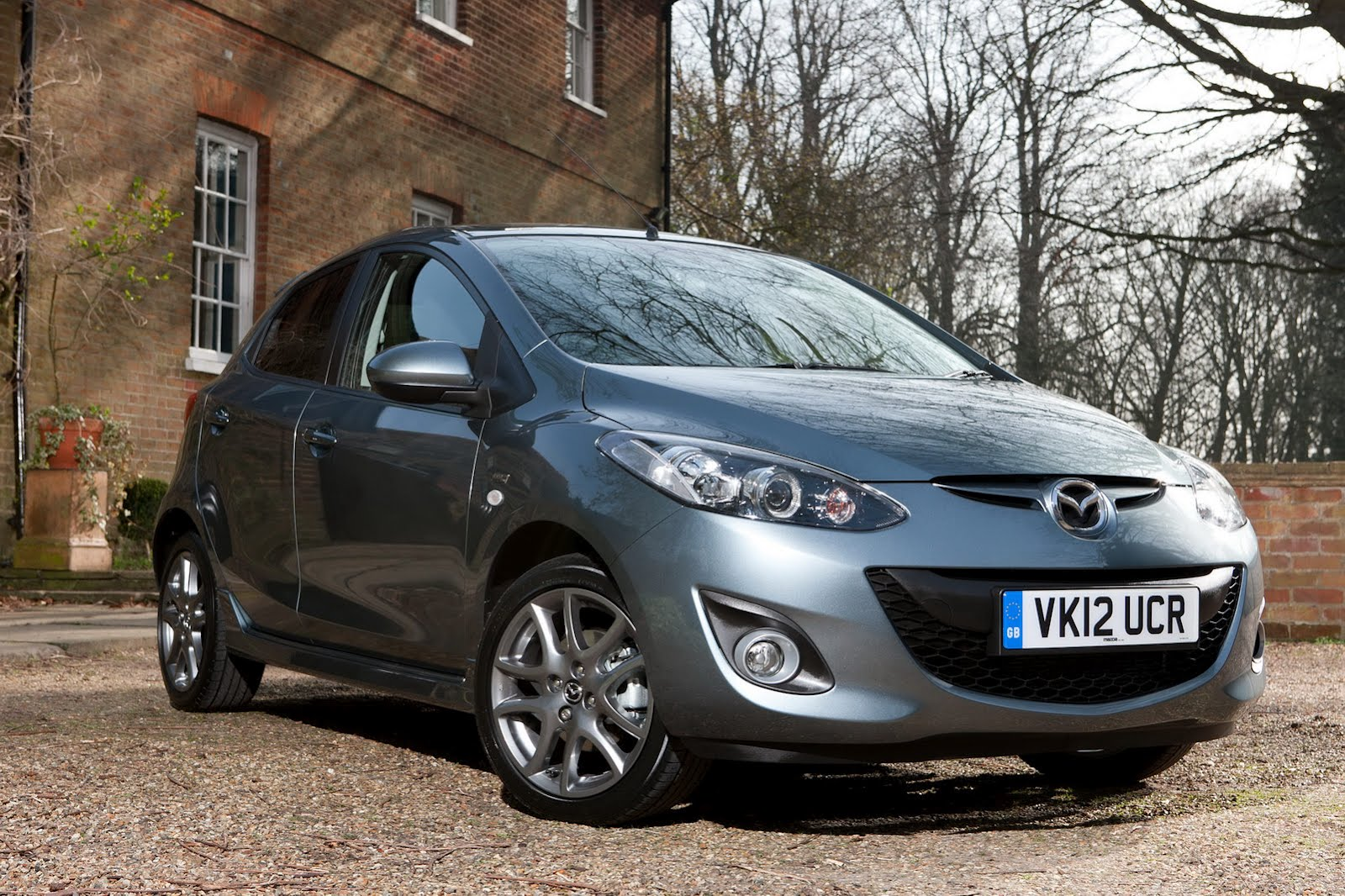 Mazda 2 Venture Edition ra mắt tại Anh.