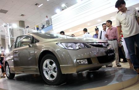 Ôtô trong nước: Lại một tháng thất vọng