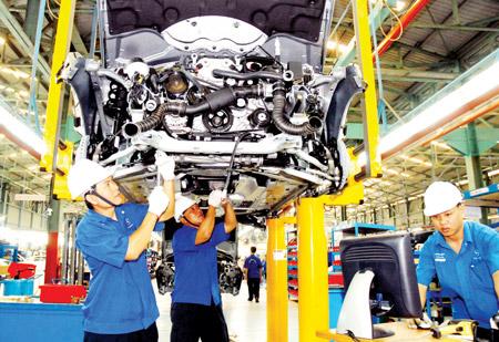 Lo ngại phá sản: DN ô tô xin giảm thuế, phí