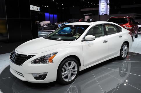 Nissan chính thức sản xuất Altima 2013