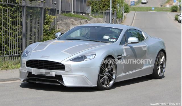 Aston Martin DBS 2013 lộ thêm hình ảnh