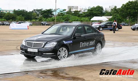 Lái và Trải nghiệm cùng Mercedes-Benz 2012