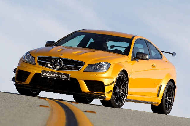 Mercedes-Benz C63 AMG Black Series coupe cháy hàng
