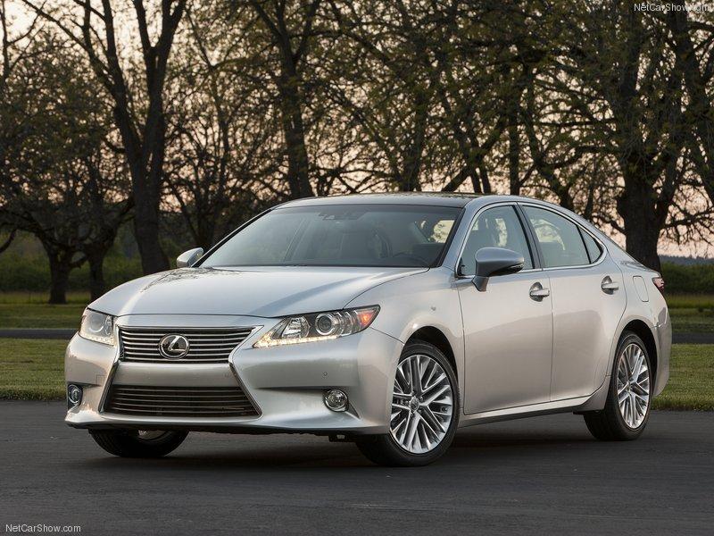 Lexus công bố giá bán ES 350 và 300h 2013 tại Mỹ
