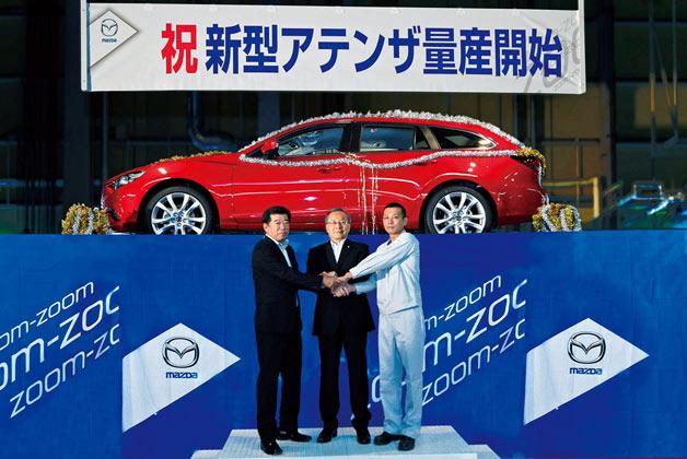 Chiếc Mazda6 2014 đầu tiên xuất xưởng