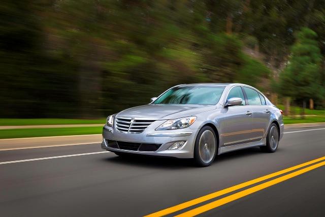 Hyundai Genesis 2013 tích hợp nhiều tính năng công nghệ
