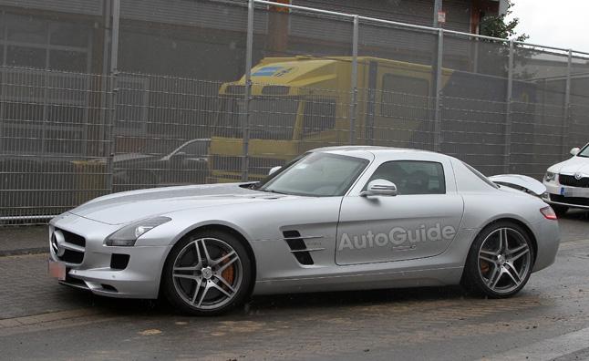 Mercedes SLS AMG E-Cell đã sẵn sàng để bán ra