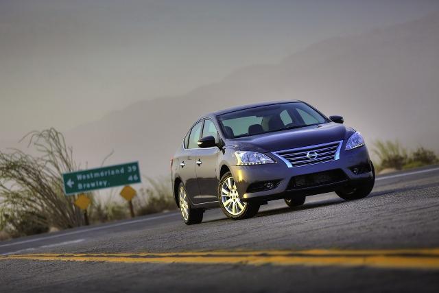 Nissan Sentra 2013 rẻ hơn 440 USD