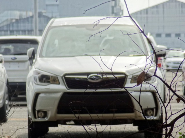 Subaru Forester 2014 lộ ảnh sống