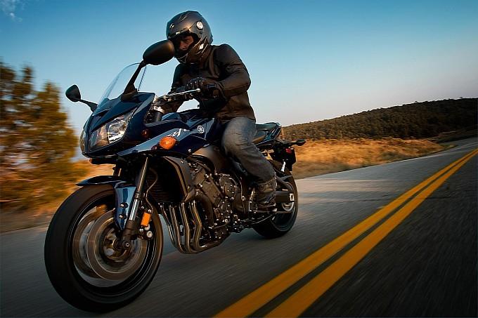Yamaha FZ1 2013 có giá 10.790 USD