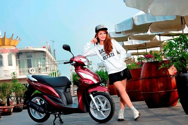 Honda Vision 2012 – thêm màu mới, tăng giá nhẹ