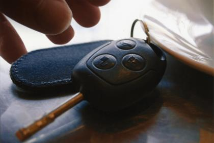 Trộm xe chuyển hướng trộm chìa khóa