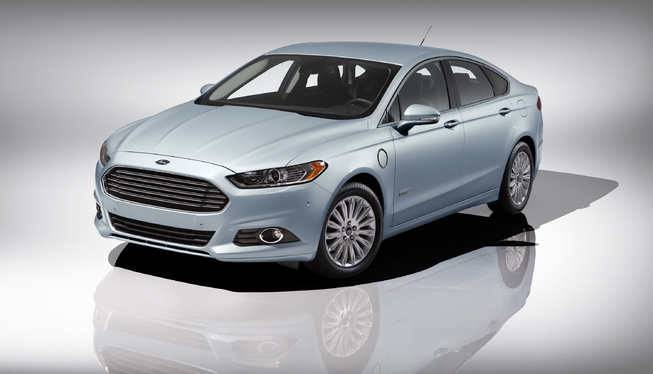 Ford Fusion Energi 2013 có giá từ 39.495 USD