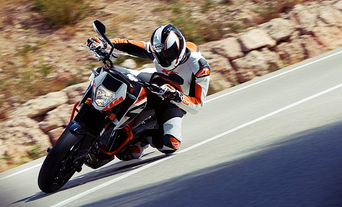 KTM trình làng 690 Duke R 2013