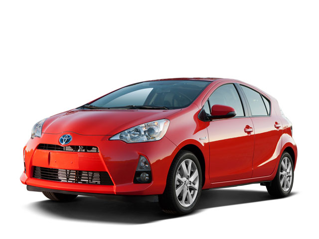 Toyota Prius C chỉ tiêu tốn 6 lít/ 100km