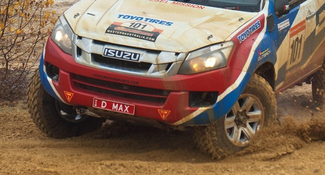 Isuzu D-Max tham gia giải đua khắc nghiệt nhất hàng tinh