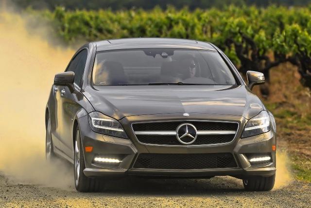 Mercedes CLS550 dính án thu hồi