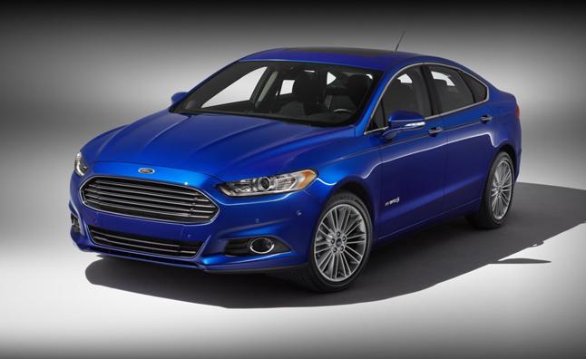 Ford ăn nên làm ra nhờ xe hybrid
