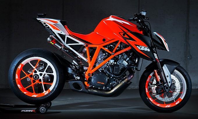Lộ ảnh chính thức của KTM Superduke 1290 R