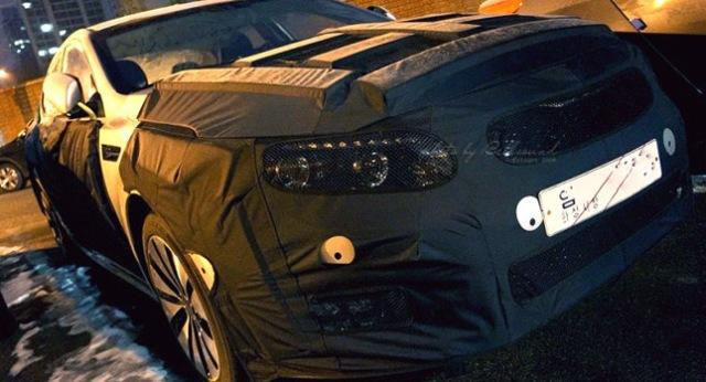 Kia Optima Facelift lần đầu lộ diện