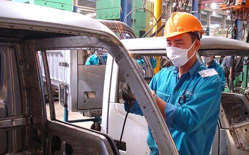 """Công nghiệp ôtô Việt Nam """"kẹt"""" trong mâu thuẫn"""
